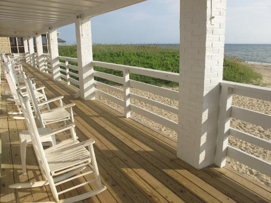 Outer Banks Motor Lodge : Deck on the second floor - oceanfront.