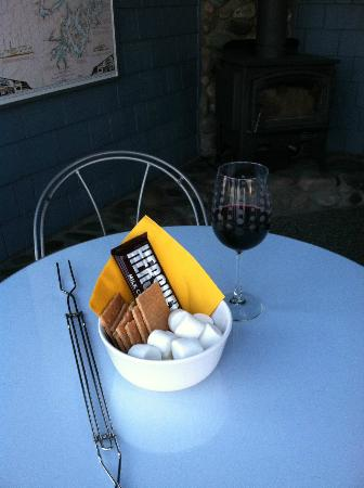 Blue Moon Beach House: S'mores