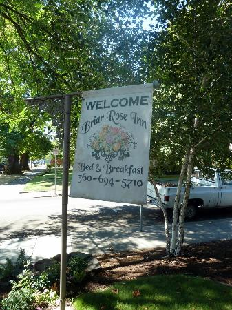 Briar Rose Inn: Welcome sign