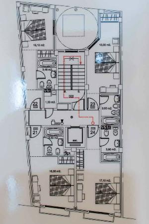 Hotel Gravina Cinco : floor schematics