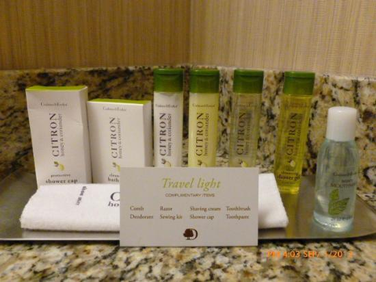 DoubleTree by Hilton Hotel Philadelphia - Valley Forge: Crabtree & Evelyn toiletries.