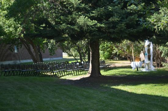 Yellowstone Pioneer Lodge: Wedding Ceremony On the Hotel Grounds