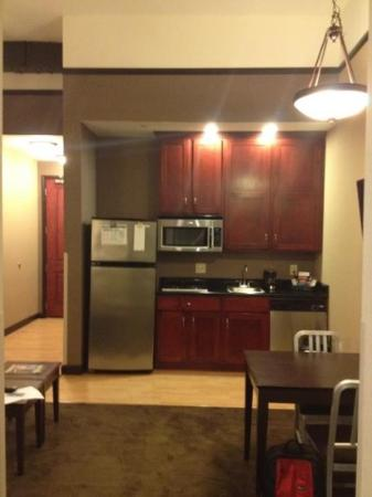 Homewood Suites by Hilton Indianapolis-Downtown: Kitchenette