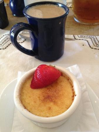 The Inn Above Onion Creek: creme brûlée for dessert + pecan coffee = heaven