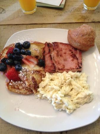 The Inn Above Onion Creek: breakfast one day! croissant French toast- best I've ever had!!