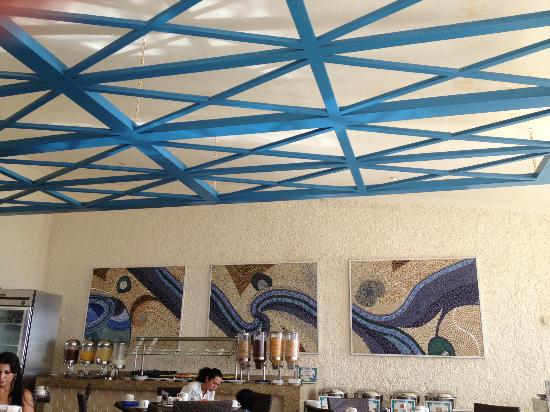 GR Caribe by Solaris: Solaris Cafe, air conditioned or open air with excellent food and friendly service