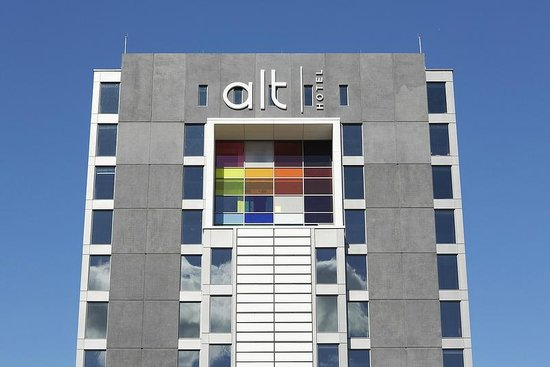 ALT Hotel Toronto Pearson