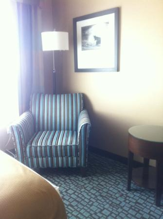 Holiday Inn Express & Suites Salinas: Second Sitting Area