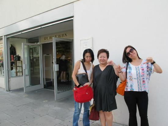 Burberry Outlet Photo: unsatisfied customers