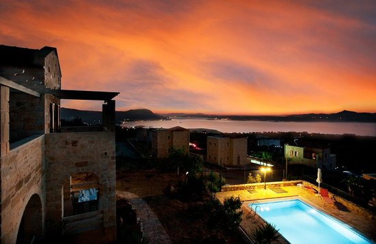 ‪‪St. George's Retreat Village‬: The view over Souda Bay‬