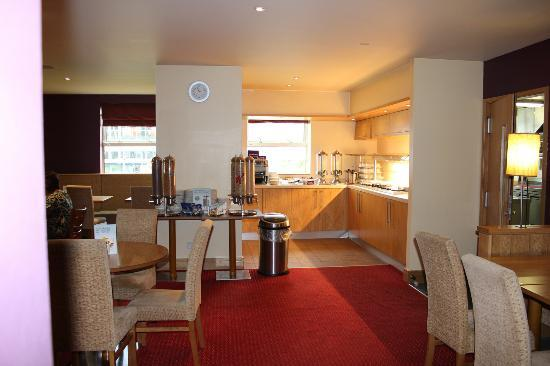 Premier Inn Bolton - Reebok Stadium: Breakfast Section.