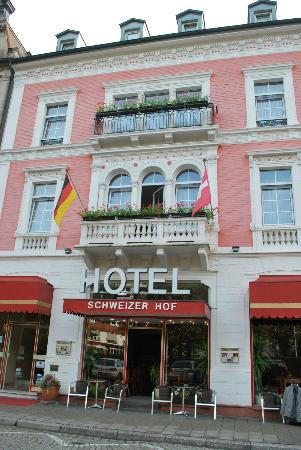 Hotel Schweizer Hof: front of hotel, room 50 to left- just out of picture