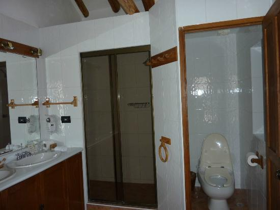 Casa San Blas: Senior Suite Bathroom