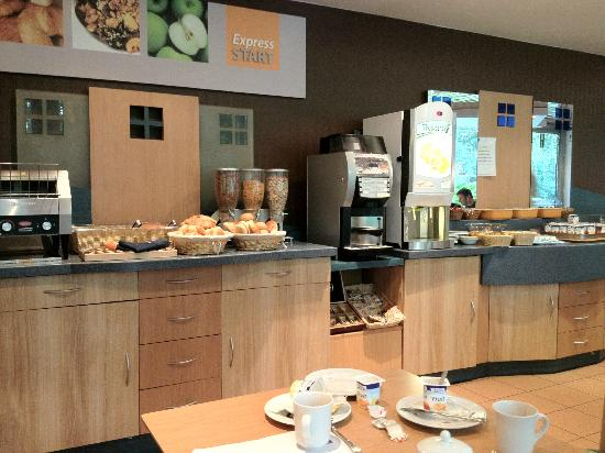 Alliance Brussel Airport Hotel: Breakfast area
