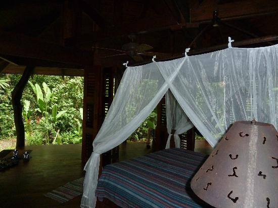 Playa Nicuesa Rainforest Lodge: Cabin - open air with bi-fold sliding doors