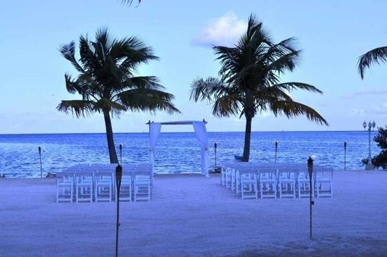 Coconut Cove Resort and Marina: beautiful ceremony site!!