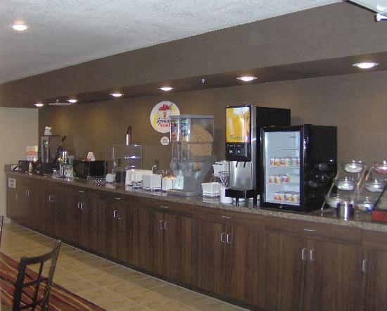 Super 8 Brookings: Continental Breakfast