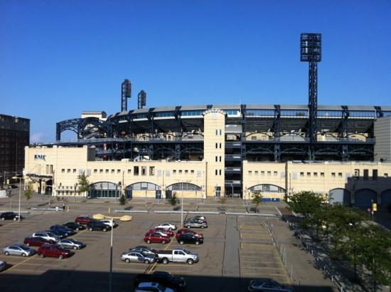 Hyatt Place Pittsburgh-North Shore: this close to PNC Park!