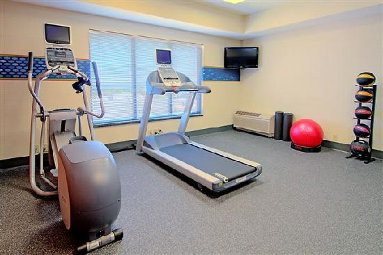 Hampton Inn & Suites Petoskey: Fitness Center