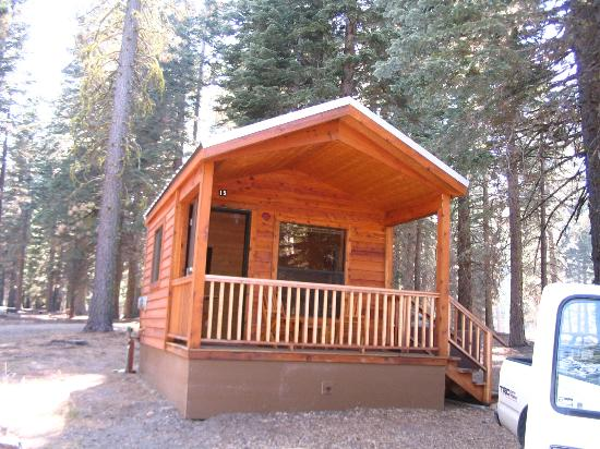 Manzanita Lake Camping Cabins: Little Ol' Cabin 15
