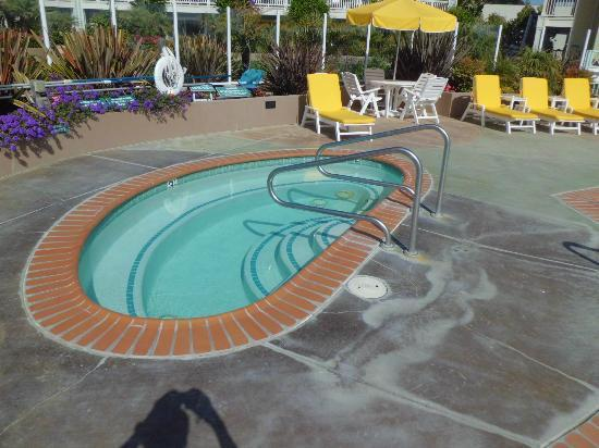 Avila Lighthouse Suites: pool