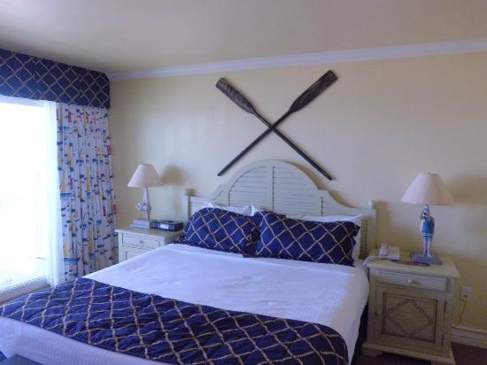 Avila Lighthouse Suites: king suite