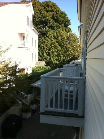 Harbour View Inn: Balcony