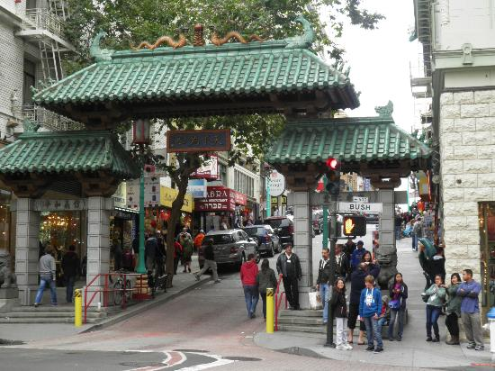 Grant Plaza Hotel: PORTE CHINATOWN A 50M DE L HOTEL