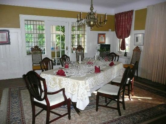 Springbank House: Table setting