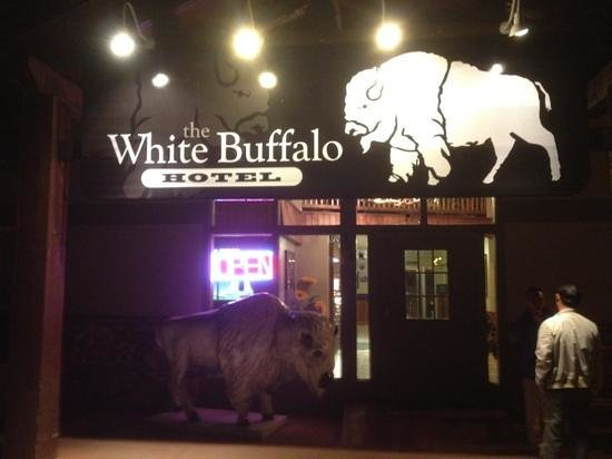 White Buffalo Hotel: goochy but cheap!!! :))