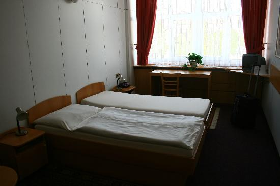 Hotel Garni Zlin: the beds