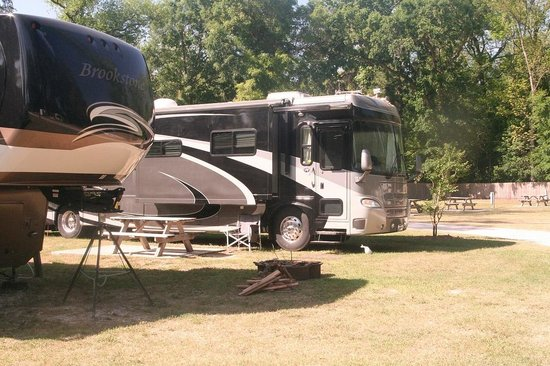 Ellie Ray's River Landing Campground RV Park