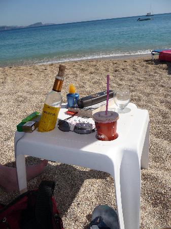 Aleca's: Frappe & Retsina on the beach - perfect day
