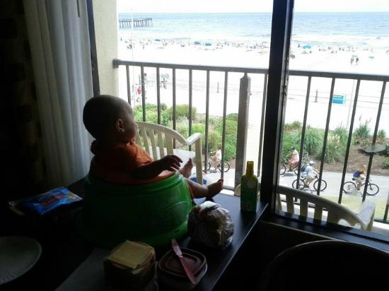 Surfside Oceanfront Inn & Suites: View from our room