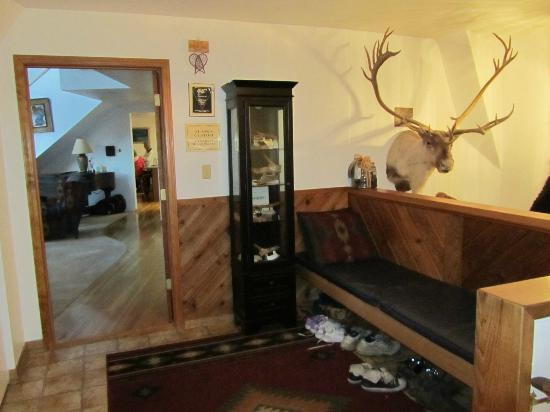 Denali Dome Home Bed and Breakfast: Main entry, looking into the home - take off your shoes!