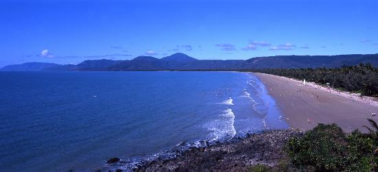 Freestyle Resort Port Douglas: Four Mile Beach Freestyle End