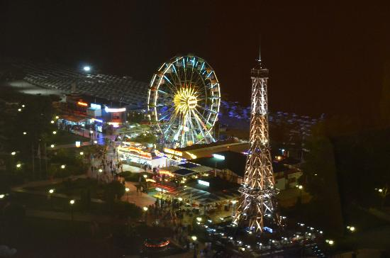 INTERNATIONAL Hotel Casino & Tower Suites: view from room