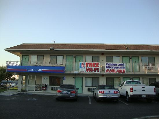 Room photo 9 from hotel Motel 6 Bakersfield Airport