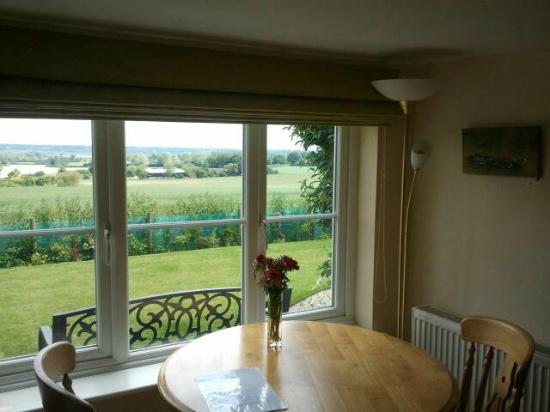 Stourview Cottage B&B: Private sitting/dining area
