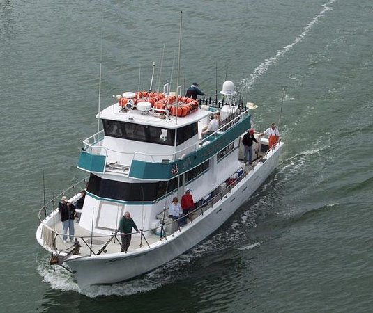 Sea trek fishing boat fort myers beach fl on for Fishing charter fort myers beach fl