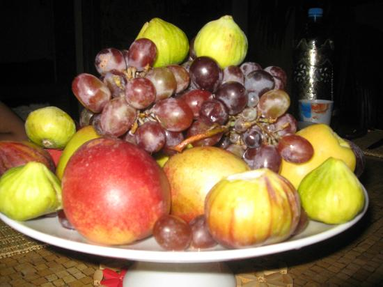 Dar Rbab: Fruit is often the Moroccan dessert.