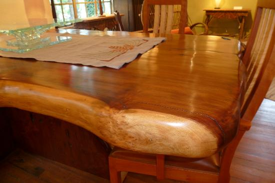 Large burl table picture of grovewood gallery asheville for Table asheville