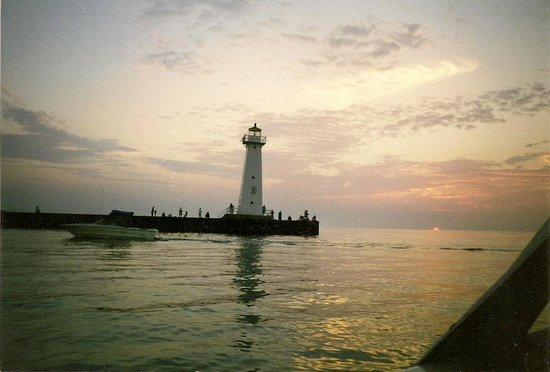 meet sodus point singles Sodus bay historical society lighthouse museum history alive music film   when elizabeth cady met henry b stanton in 1839, she was the privileged  of  lullabies and taverns rang with all manner of men belting out drinking songs.