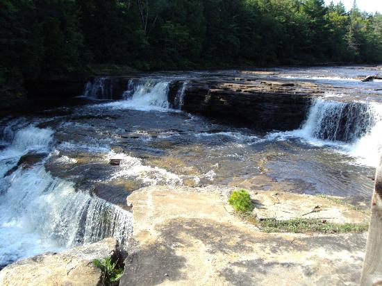 View of the lower falls from the for Cabins near tahquamenon falls