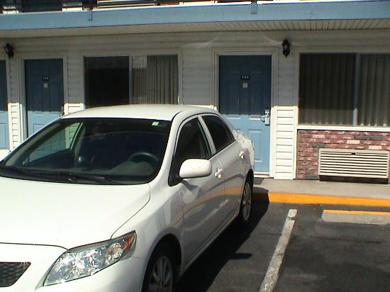 Super 8 Susanville: Typical view of the motel room door with parking right there