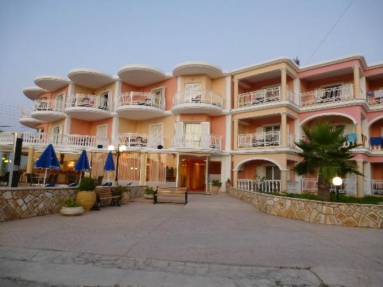  : Arkadia hotel