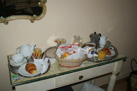 Casa Di Barbano: Breakfast in our room