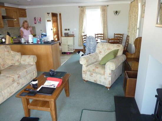 Greenacres Cottages: Lounge Again