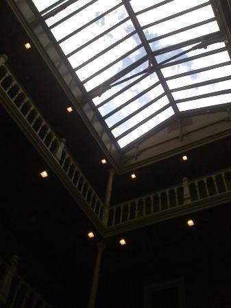 Beaumont Hotel & Spa: Beautiful windowed ceiling
