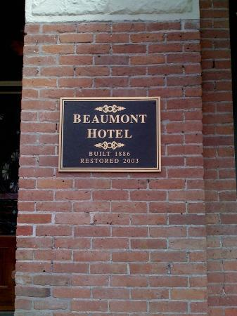 Beaumont Hotel & Spa: plaque